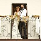 Gülben Ergen ve eşi Erhan Çelik evliliklerinin birinci yılını kutladı