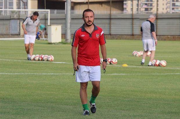 PTT 1. Lig ekiplerinden Karşıyaka'nın teknik direktörü Cüneyt Dumlupınar, görevinden istifa etti