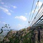 Çin dünyanın en uzun cam köprüsünü inşa etti