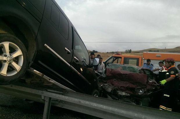Van'da feci kaza: 2 kişi öldü, 3 kişi yaralandı