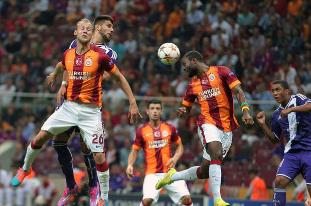 Galatasaray'da teknik direktör Hamza Hamzaoğlu'nun ideal kadroyla Astana önüne çıkması beklenirken, defansta değişikliğe gidebileceği öğrenildi