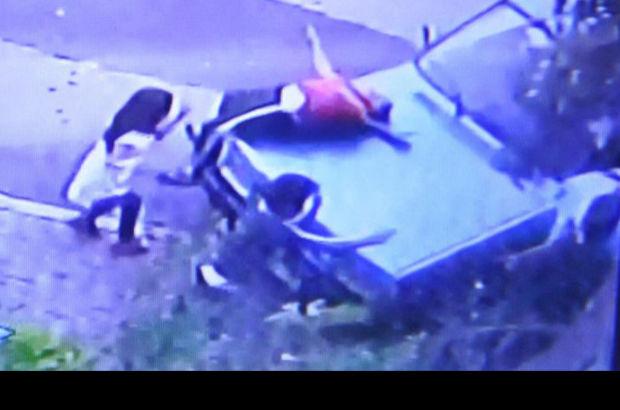Denizli'de çocuk sürücü, kaldırımda oynayan çocuklara çarptı