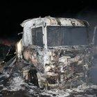 Mobilya yüklü tır yandı