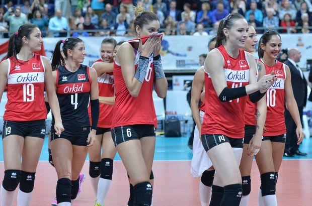 Türkiye, Kadınlar Avrupa Voleybol Şampiyonası'nda Almanya'yı 3-2 yenerek, yarı finale çıktı. Rakip Polonya'yı yenen Hollanda oldu...