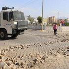 PKK'lı teröristler hastane yolunda bomba patlattı