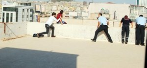 Şanlıurfa'da çatıda intihar girişimi