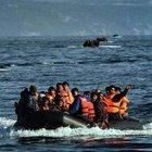 Mülteciler akın akın Midilli'ye gidiyor