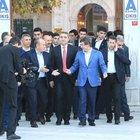 Başbakan Davutoğlu, sabah namazını Eyüp Sultan Camii'nde kıldı