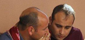 Kazada ölen hamile eşinin yazmasını öpüp koklayarak ağladı