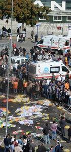 Ankara'da tren garına giden köprü altında patlama: 86 ölü, 186 yaralı