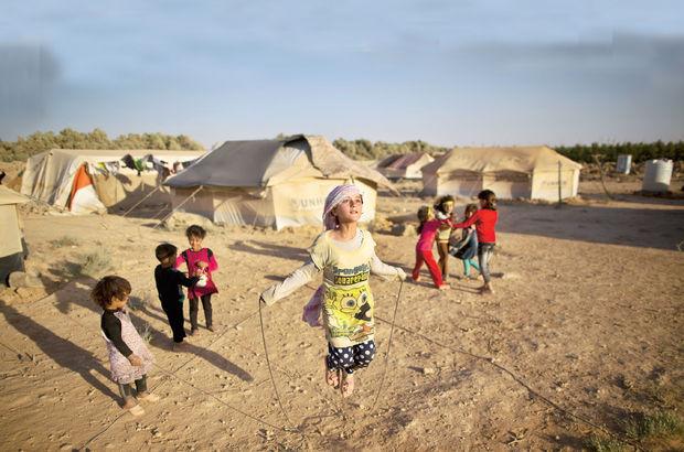 Kübra Par Prof. Dr. Kemal Kirişci ile Suriyeli mültecileri konuştu