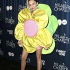 Miley Cyrus, Alzheimer için çiçek açtı