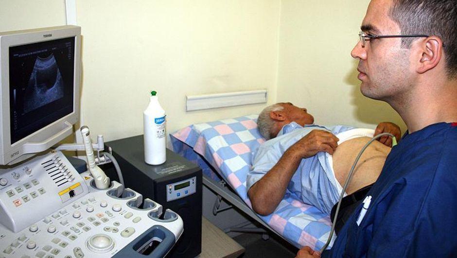 Erkeklerde saç dökülmesi, kellik, böbrek hastalıkları, Doç. Dr. Berkan Reşorlu