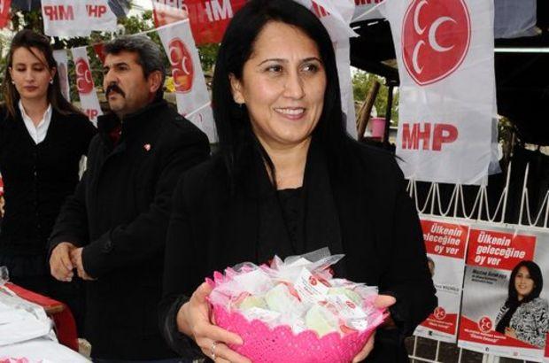MHP adayı 'temiz siyaset' için sabun dağıttı