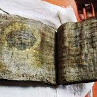 Tokat'ta altın varaklı İncil bulundu