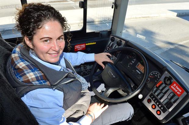İzmir'in kadın otobüs şoförü yolculardan olumlu tepkiler alıyor