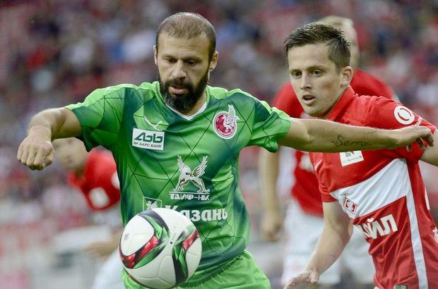 Gökdeniz Karadeniz, takımı Rubin Kazan'ın Rusya Premier Lig'in 15. haftasında Krylya Sovetov'u 2-0 yendiği maçın gollerine imza attı
