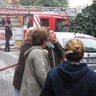 Maltepe'de 5 katlı binada yangın