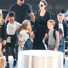 Angelina Jolie ve Brad Pitt çocuklarıyla galada