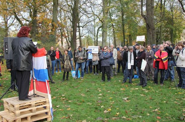Hollandada PEGIDA gösterisi: Kebap yemeyin 54