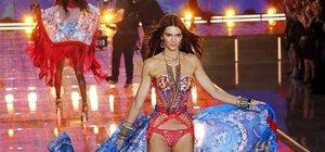Kendall Jenner ve Gigi Hadid melek oldu