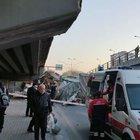 Ankara'da otomobilin üstüne tır düştü!