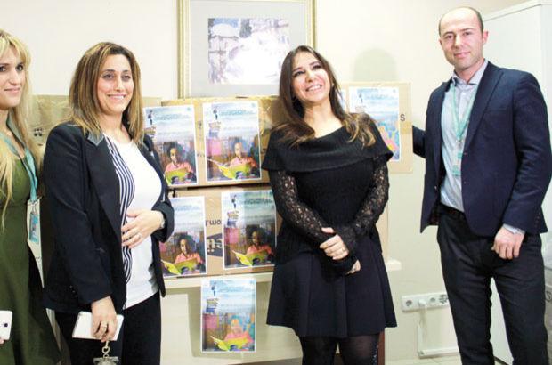 Doktor ve hastalardan köy okuluna kitap bağışı