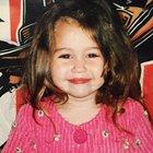 Miley Cyrus çocukluk fotoğrafını paylaştı