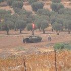 ÖSO, IŞİD karargahına Türkmen Bayrağı astı