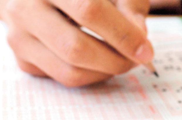TEOG sınav rehberi, Başarılı öğrenci kolay soruya inanmayıp hatalı şıkkı seçiyor