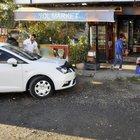 Şanlıurfa'da el freni çekilmeyen otomobile tır çarptı