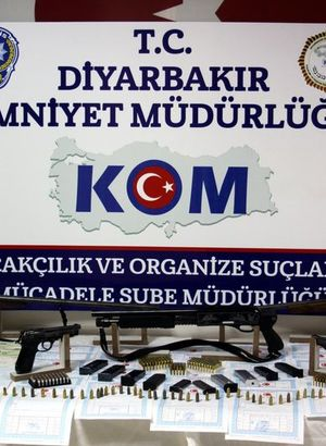 Diyarbakır'da 11 kişilik suç çetesi çökertildi