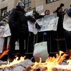 Moskova'daki Türk Büyükelçiliği'ne taşlı saldırı