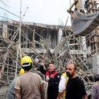 İnşaat çöktü, 5 işçi göçük altında kaldı