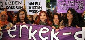 Kadınlar, kadına şiddete dikkat çekmek için yürüdü
