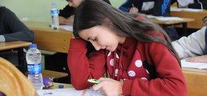 Türkçe'de dikkatleri ölçüldü, matematikte 'hedef tahtası' oldular