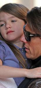 Tom Cruise kızını terk etti mi?
