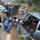 Bursa'da 2 otomobil kafa kafaya çarpıştı