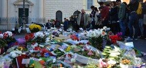 Fransa 13 Kasım kurbanlarını anıyor