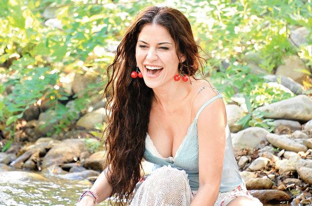 Turkish Celebrity  Türkan Şoray  XNXXCOM