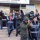 İzmir'de uyuşturucu operasyonu:  12 kişi tutuklandı