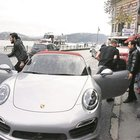 Caner Erkin arabayı Asena'dan aldı!
