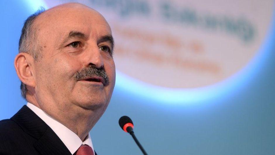 Sağlık Bakanı Mehmet Müezzinoğlu, Sağlık Bakanlığı