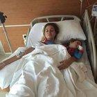 Petek Ertüre oğlu Ali Ege ile hastanelik oldu