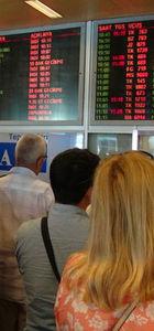 Cezayirli yolcular yanlışlıkla pasaport kontrolüne girmedi