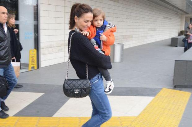 Ebru Akel, oğluyla alışveriş turuna çıktı