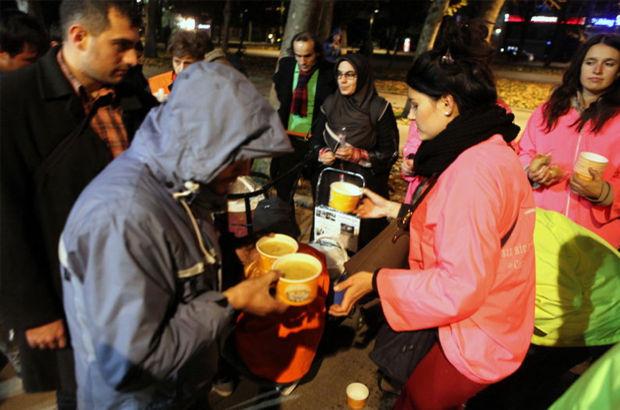 Şefkat-Der 420 gündür 200 evsize sıcak çorba dağıtıyor