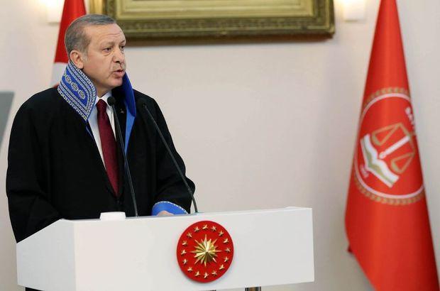 Erdoğan Sayıştay cübbesi giydi