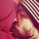 Justin Timberlake oğlu Silas'a Noel öpücüğü verirken fotoğrafını paylaştı