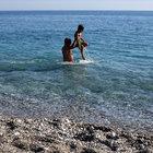 Yılbaşı öncesi Akdeniz sahillerinde deniz sefası
